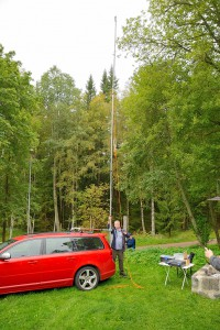 ARQ med ny 9m mast påhängt på Volvo traktorn