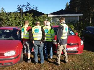 I bilen SM3RNN/Nisse och från vänster SA3BIT/Fredrik, SM3XJD/Bengt, SM3MTF/Lennart, SM3YYB/Kenneth och SM3NTA/Ove. Bakom kameran SA3ARQ/Martin. SM3XLY/Erik kom några minuter senare.